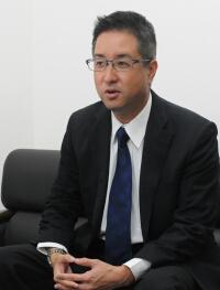 勝弘義人 社長